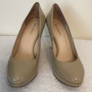 Enzo Angiolini  size 9 cream color 4 inch heels